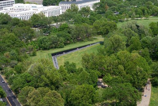 Aerial_view_of_Vietnam_Veterans_Memorial2